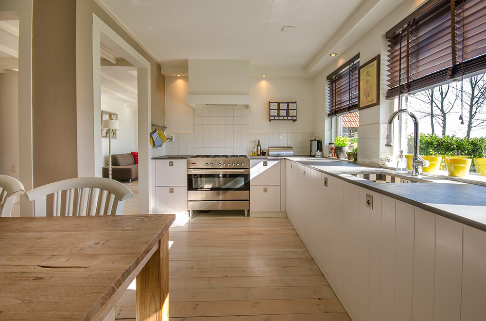 Floor sanding services in Coventry & West Midlands for homes and businesses