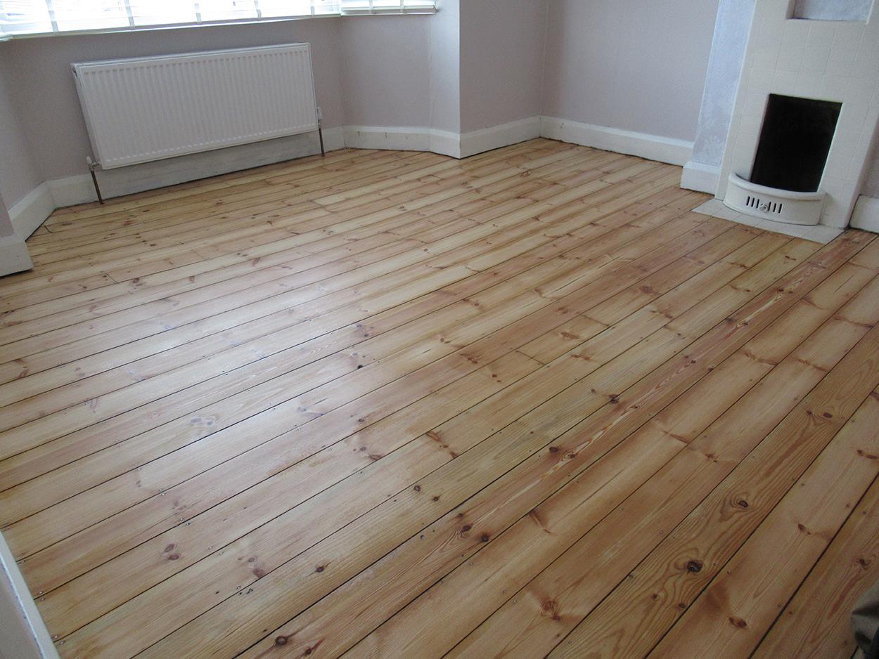 Fitting wood floors Sollihul